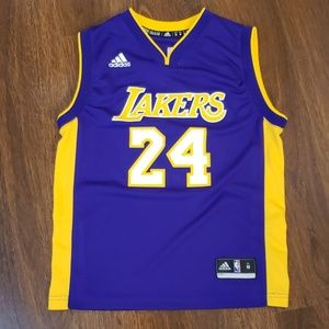 Koby Bryant official NBA Jersey Sz Youth M(10-12)